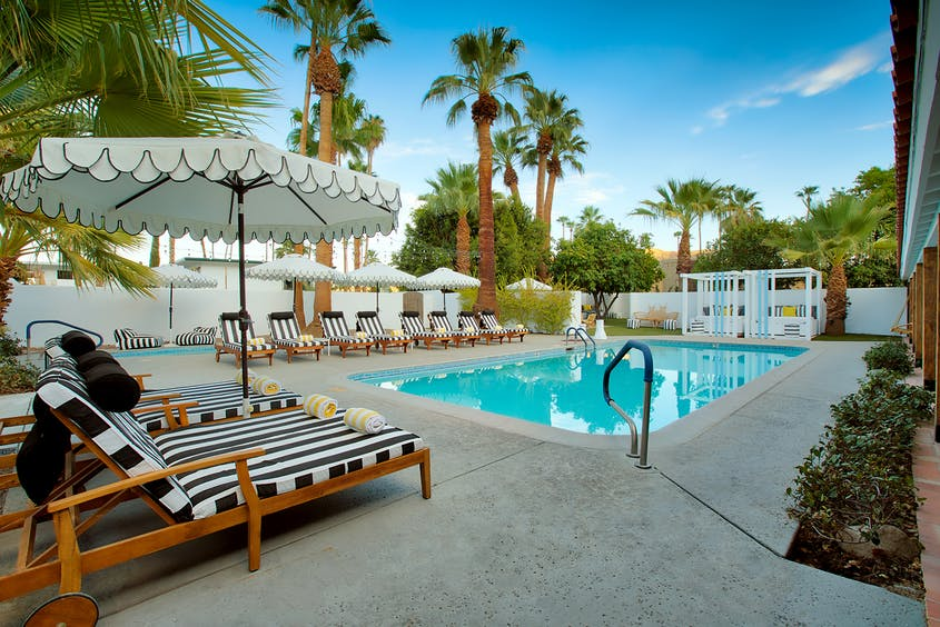 Save 30 percent on weekday stays through October 2021 at Dive Palm Springs hotel.