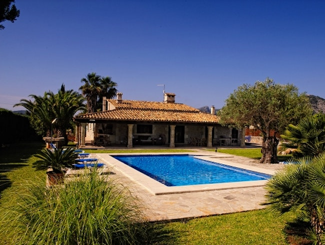 Rent This Modern Villa in Mallorca