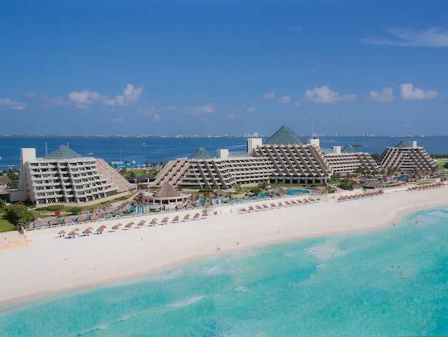 Paradisus Cancun, Fit for a King