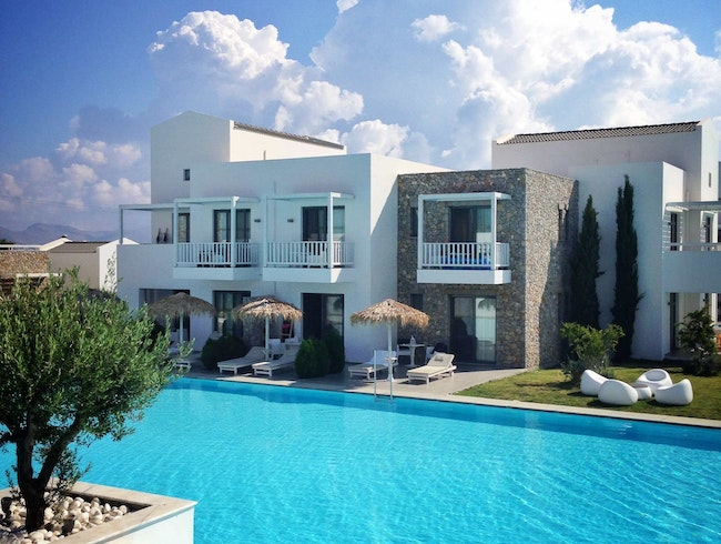 Experience A Blue Diamond in Kos' Crown