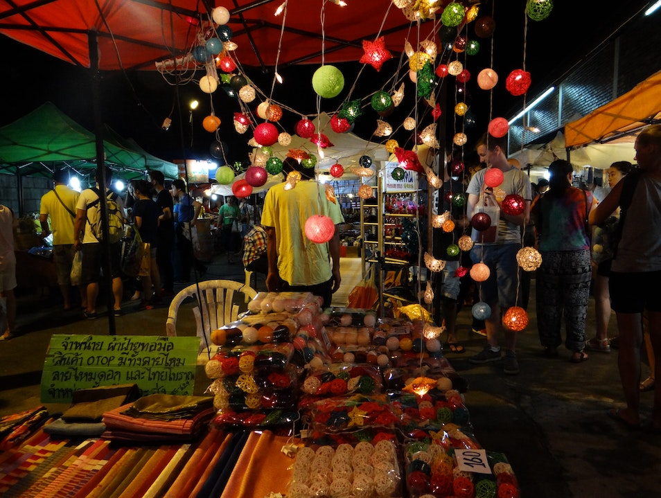 Exploring Chiang Mai's Nightly Markets Chang Moi  Thailand