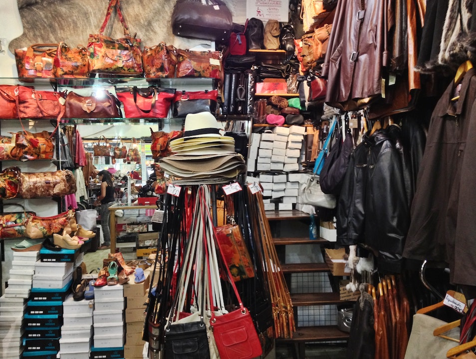 Leather Shopping on Las Heras