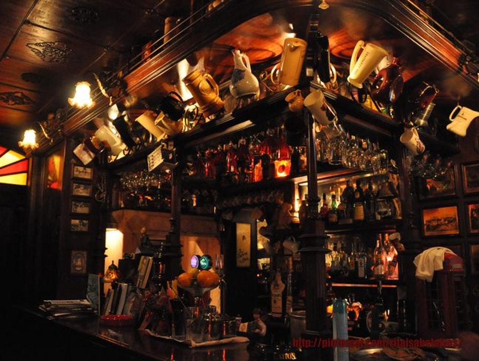 A Bar with Personality