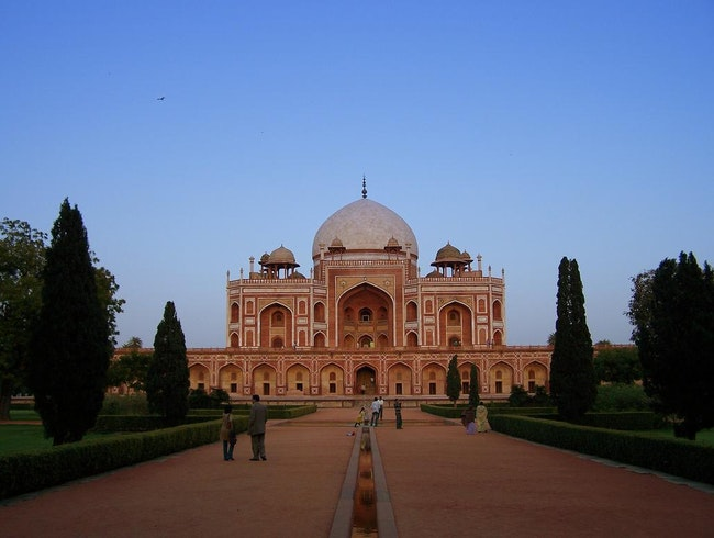 Preview the Taj Mahal at Humayun's Tomb