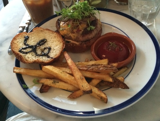 Coffee, Juices, and Fresh Fare at Le Salbuen Cafe
