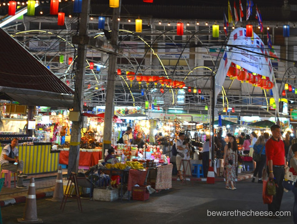 Thailand Travel Tip - Night Markets Bangkok  Thailand