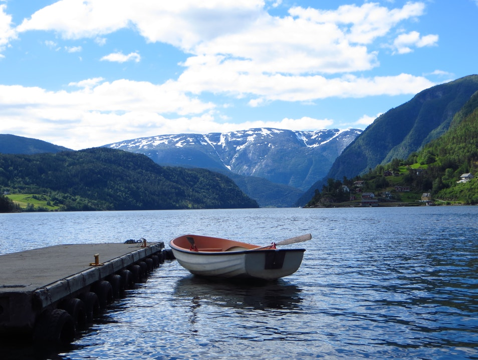 The moment that looks like a photo! Balestrand  Norway