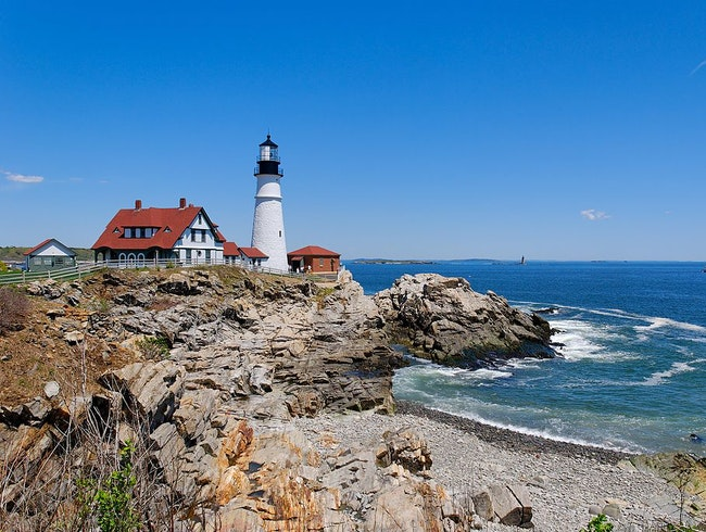 A Classic New England Lighthouse