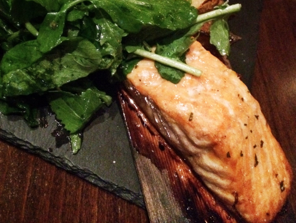 Gastropub with local flavors and brews