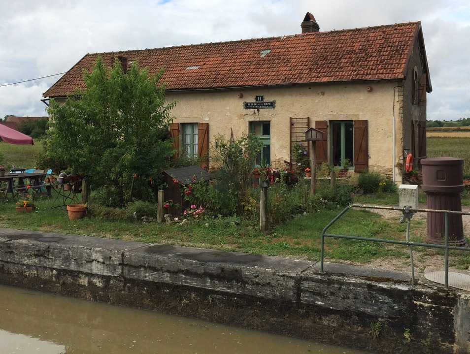 Lock houses along the Canal du Bourgogne Thorey Sur Ouche  France
