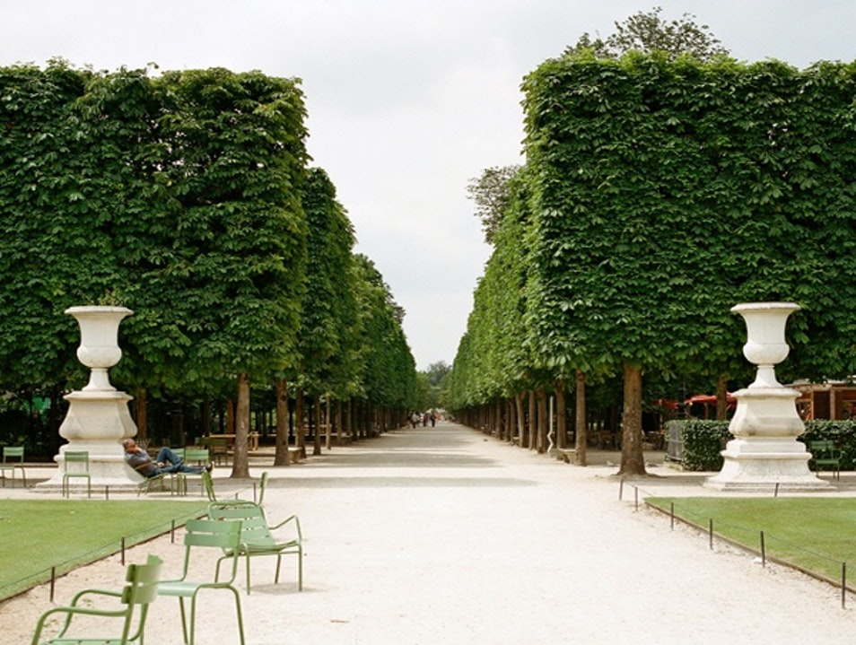 Tuileries garden paris afar for Jardin jardin tuileries