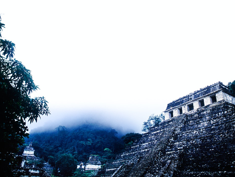 The elegance of Palenque...   Mexico