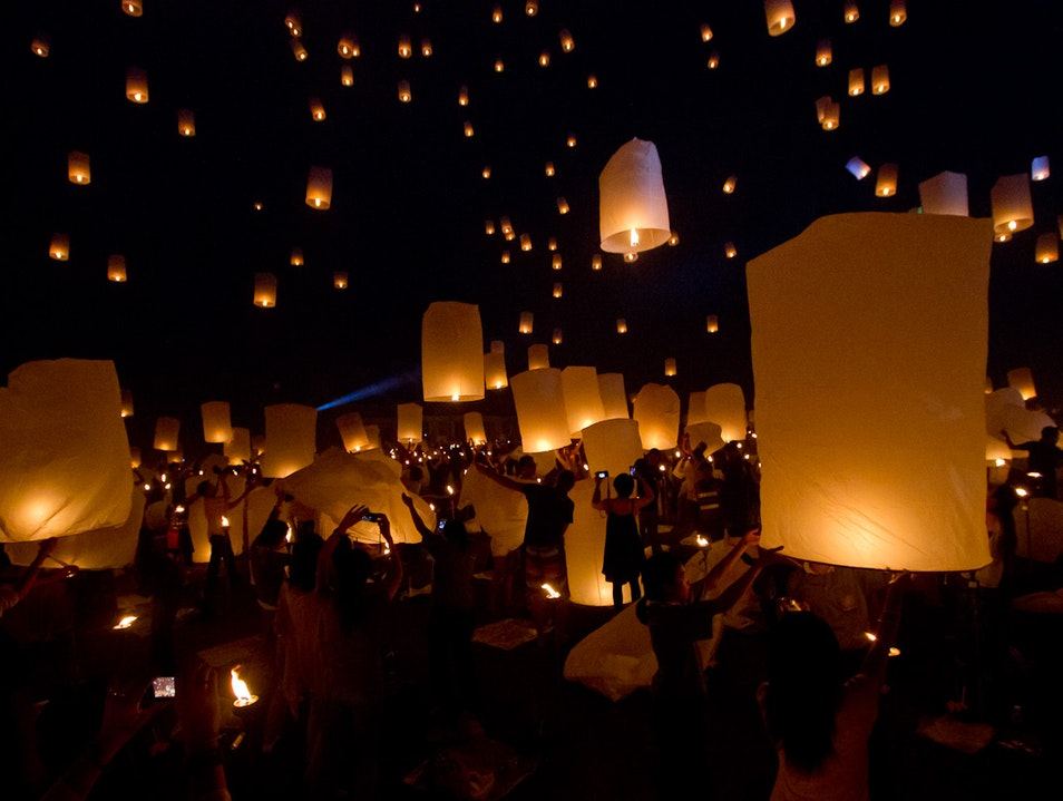 The Highlight of Thailand's Festival of Lights Mueang Chiang Mai  Thailand