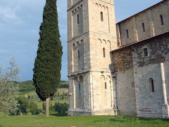 Gregorian Chants in Romanesque Abbey