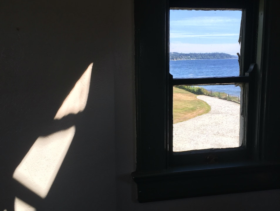 Tour a Lighthouse in Seattle