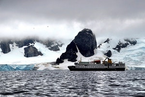Fly-Cruise to Antarctica