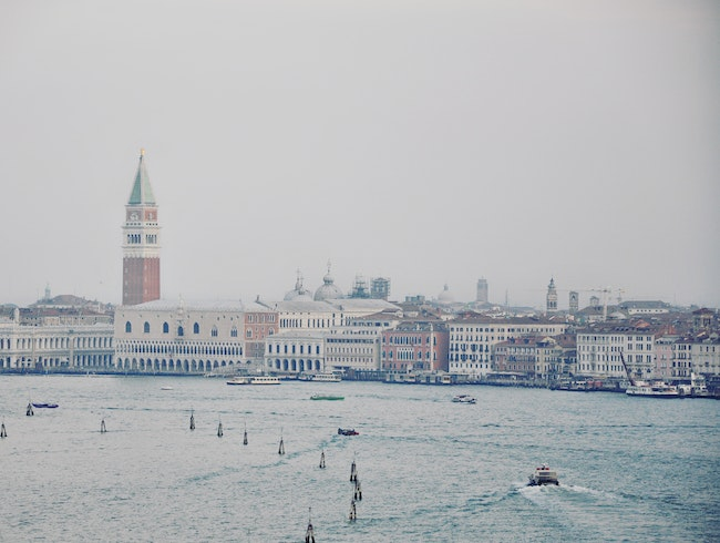 Hazy Morning, Coming into Venice
