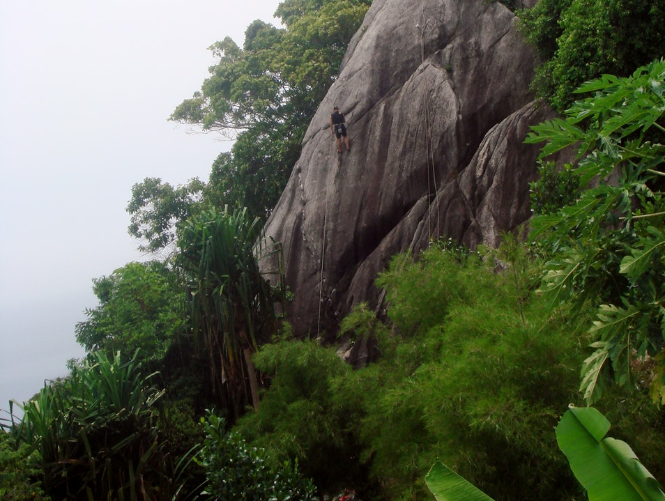 Climbing the Rock Ko Pha Ngan  Thailand