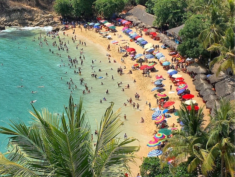 Playa Carrizalillo -A Busy little beach where you can go in for a swim! Puerto Escondido  Mexico