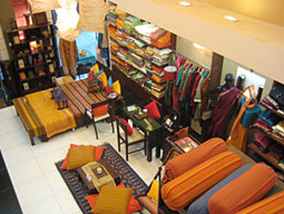 Indian Crafts meets Western Shopping