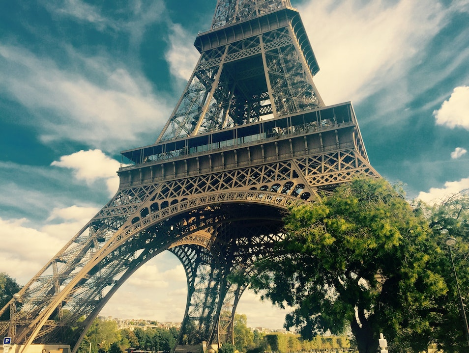 Seeing the Eiffel Tower