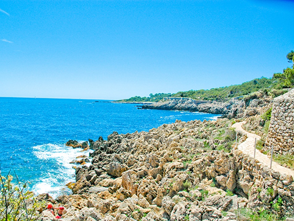 Breathtaking Coastal Hike Along the Sentier du Littoral  Antibes  France