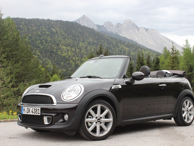 Crusing Germany's Autobahn in a MINI Roadster
