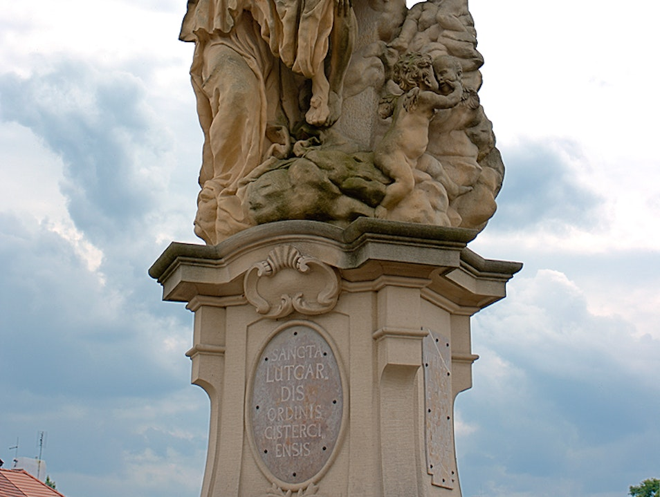 Statue of St. Lutgard