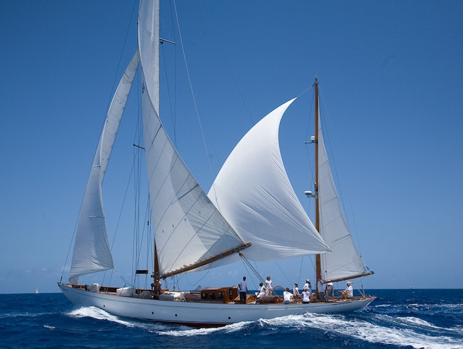 Sail with Infinity Yachts