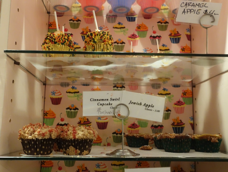 Cupcakes for you and pupcakes for poochie [CLOSED]