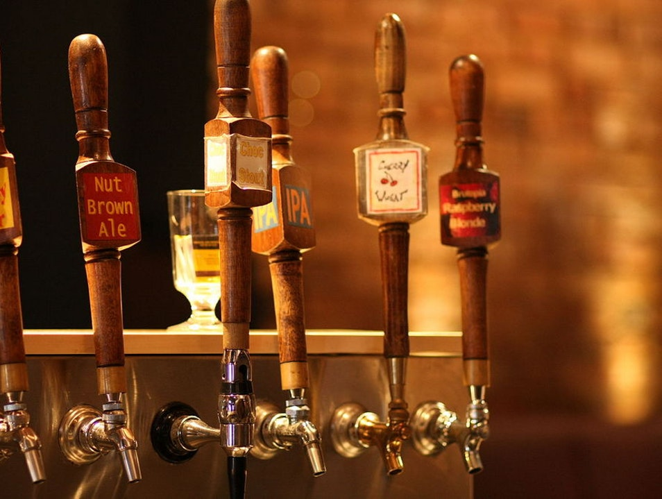 Knock'Em Down – Montreal's Best Brewpubs Montreal  Canada