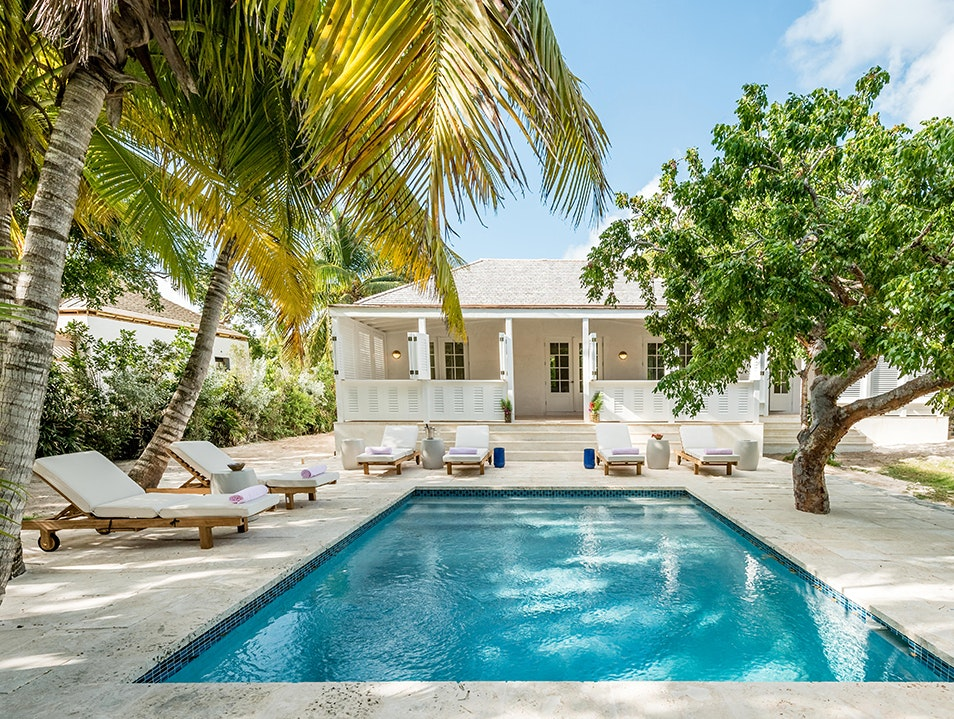 Pink Sands Hotel Dunmore Town  The Bahamas