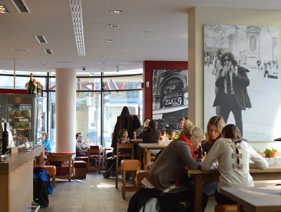 A Lunchtime Favorite Near the Kunsthaus