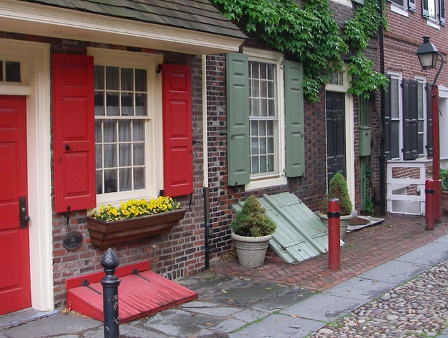 Travel back in time on historic Elfreth's Alley