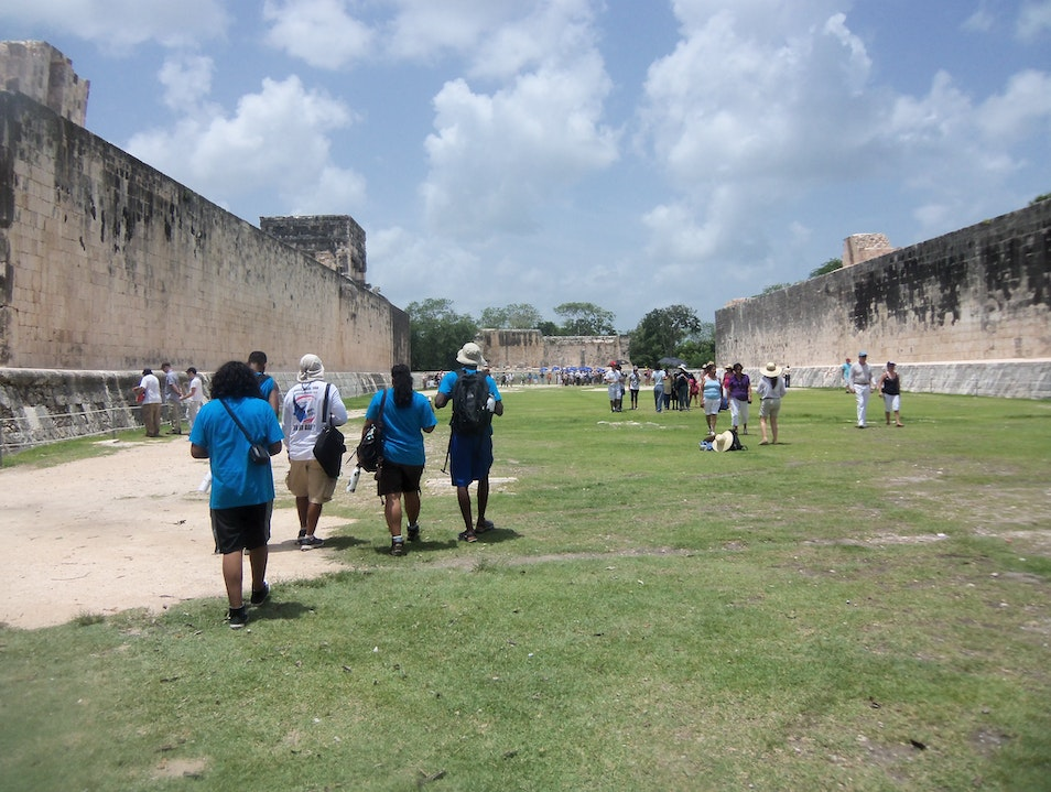 The Mysterious Ball Court of Chichen Itza, Learning AFAR Tinum  Mexico