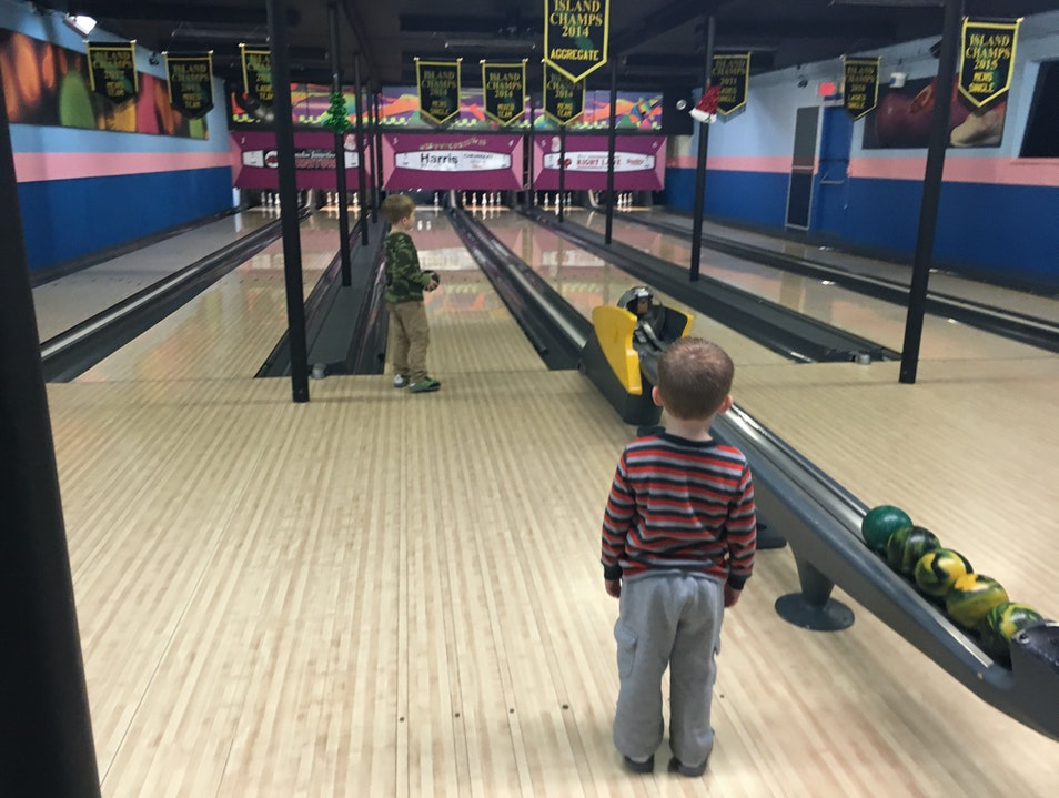 5 Pin Bowling Parksville  Canada