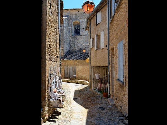 Walking in Gordes, France