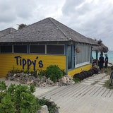 Tippy's Restaurant, Bar & Beach