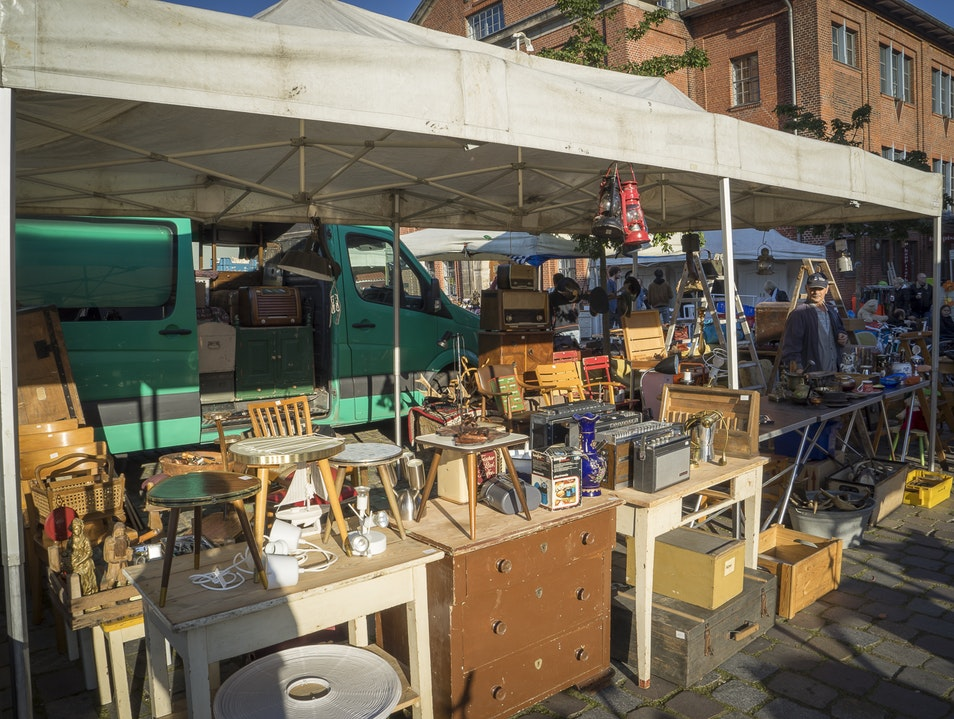 Antique & Fleamarket: Flohschanze Hamburg  Germany