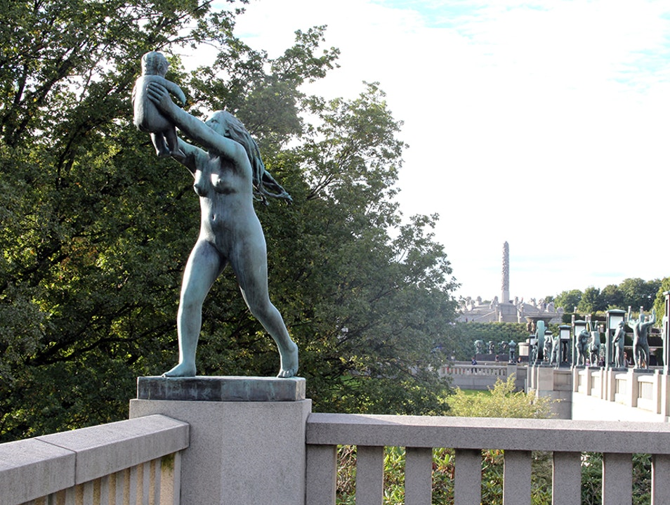 Famous Park with over 200 Statues  Oslo  Norway