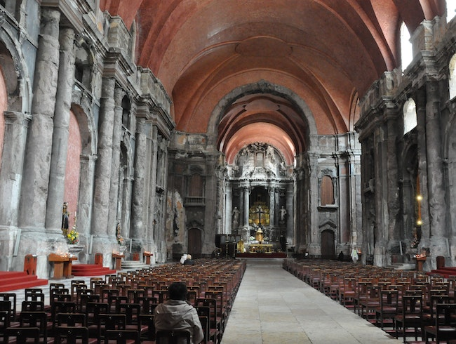 Dramatic History at Church of São Domingos