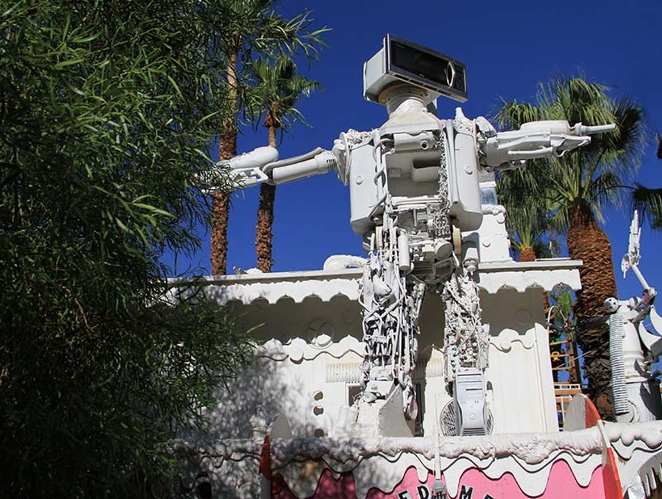 Kenny Irwin, Jr.'s Oversized Yard Art Palm Springs California United States