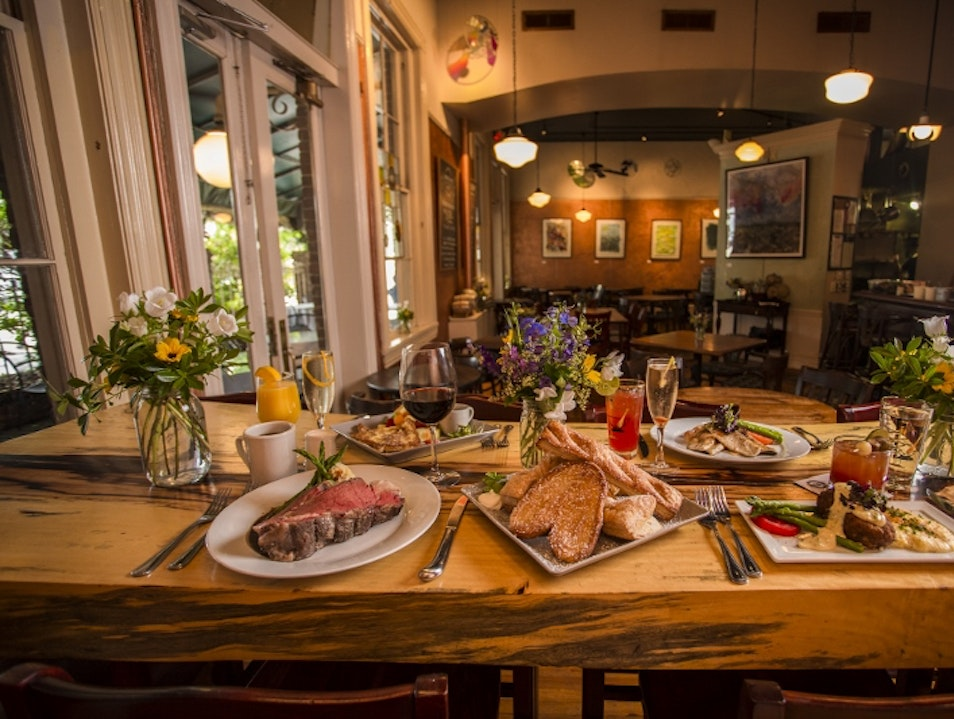 Farm-to-Fork Cuisine in Historic Digs