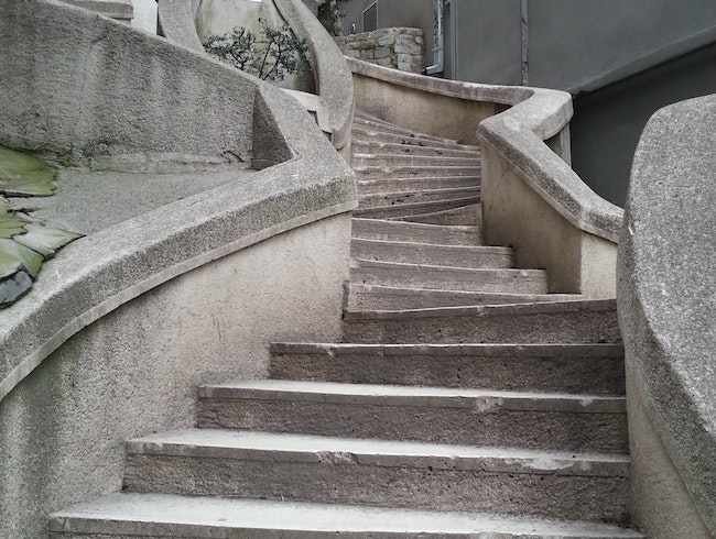 Take the Kamondo Steps to Galata Tower