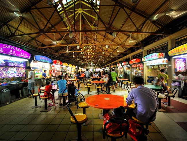 Best Street Food Experience: Maxwell Food Centre