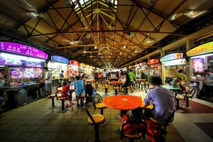 Best Hawker Centers and Local Food Spots in Singapore