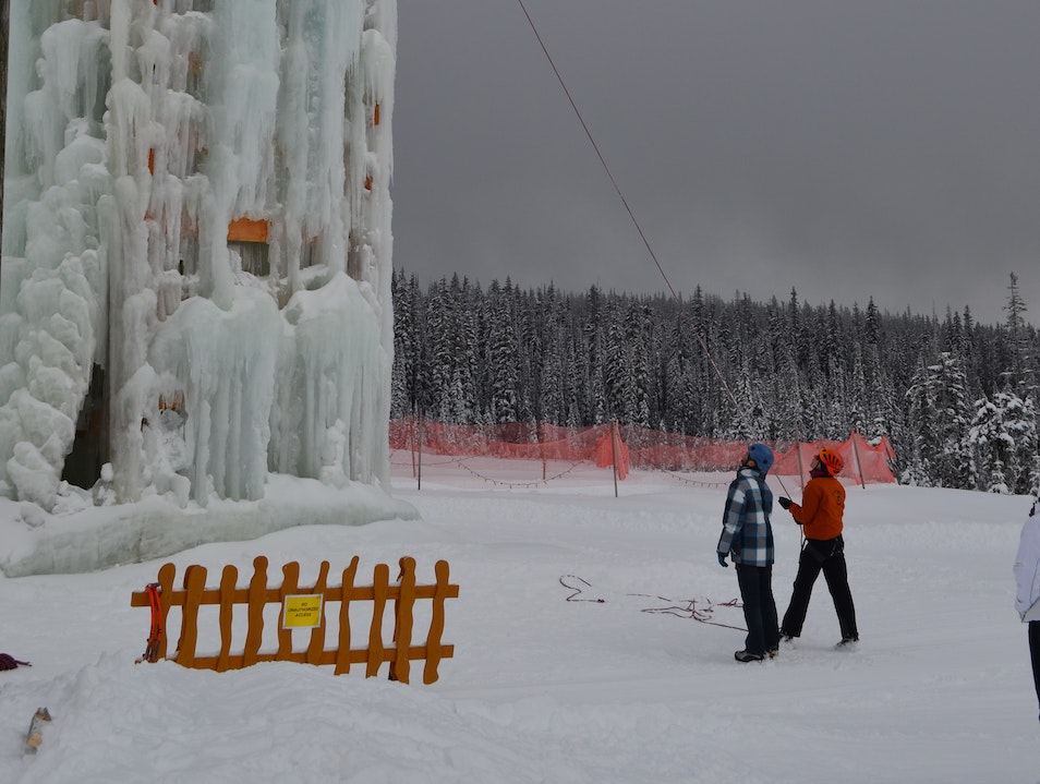Ice Wall Climbing in Canada Beaverdell  Canada
