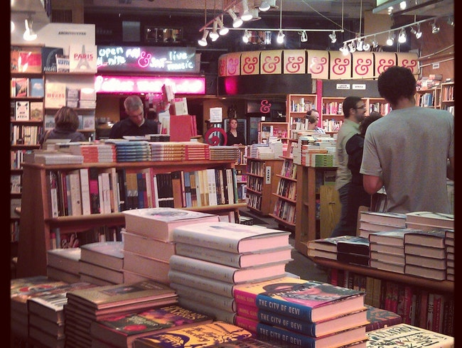 A Haven for Bookworms and Dessert-Addicted Night Owls