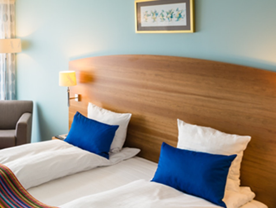 Business and Themed Rooms