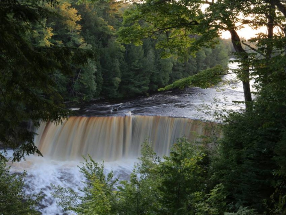 Tahquamenon Falls Hike Las Vegas Michigan United States